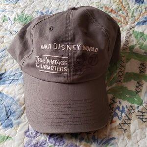Disney True Vintage Character baseball cap